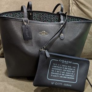 NWT Coach Reversible City Tote and Pouch